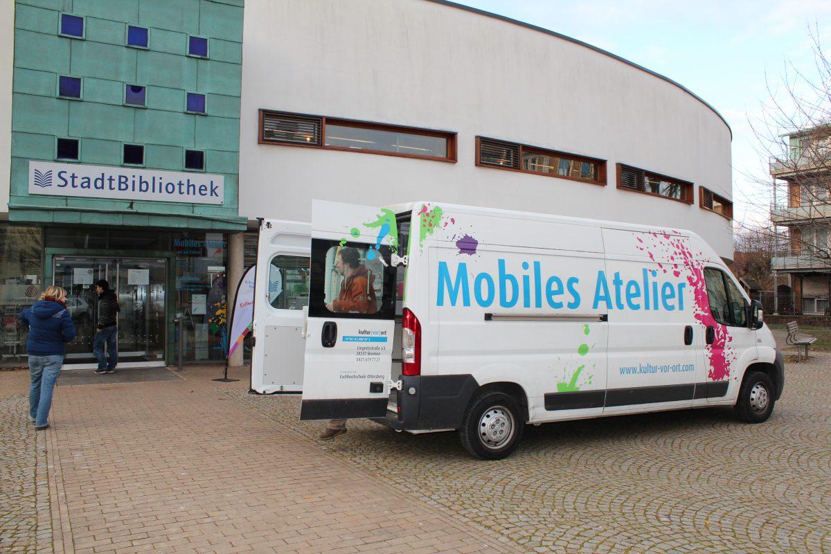 Das Mobile Atelier in der Bibliothek